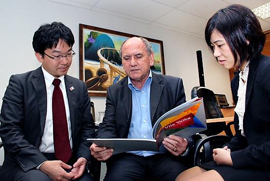 Reunião com representantes do consulado do Japão - Imagem: Zanete Dadalto