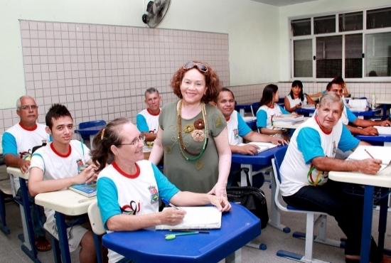 Dias dos professores - Rita Gabriela professora da Educação de Jovens e Adultos  - Imagem: Zanete Dadalto