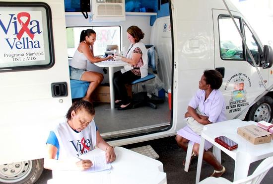 Atendimento das Unidades Móveis de Saúde da SEMSA na Prainha de Vila Velha - Imagem: Zanete Dadalto