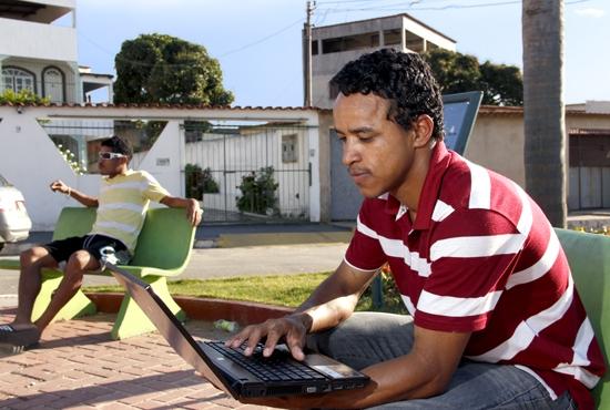 Serviço de Internet na Praça de Ilha dos Ayres - Imagem: Eduardo Ribeiro