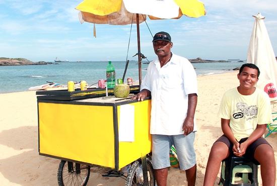 Inscrição de ambulantes para trabalhar nas areias das praias de Vila Velha - Imagem: Zanete Dadalto