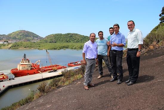 Prefeito e Secretario de Meio Ambiente visitam Parque do Morro do Penedo - Imagem: Alexandre Alvares