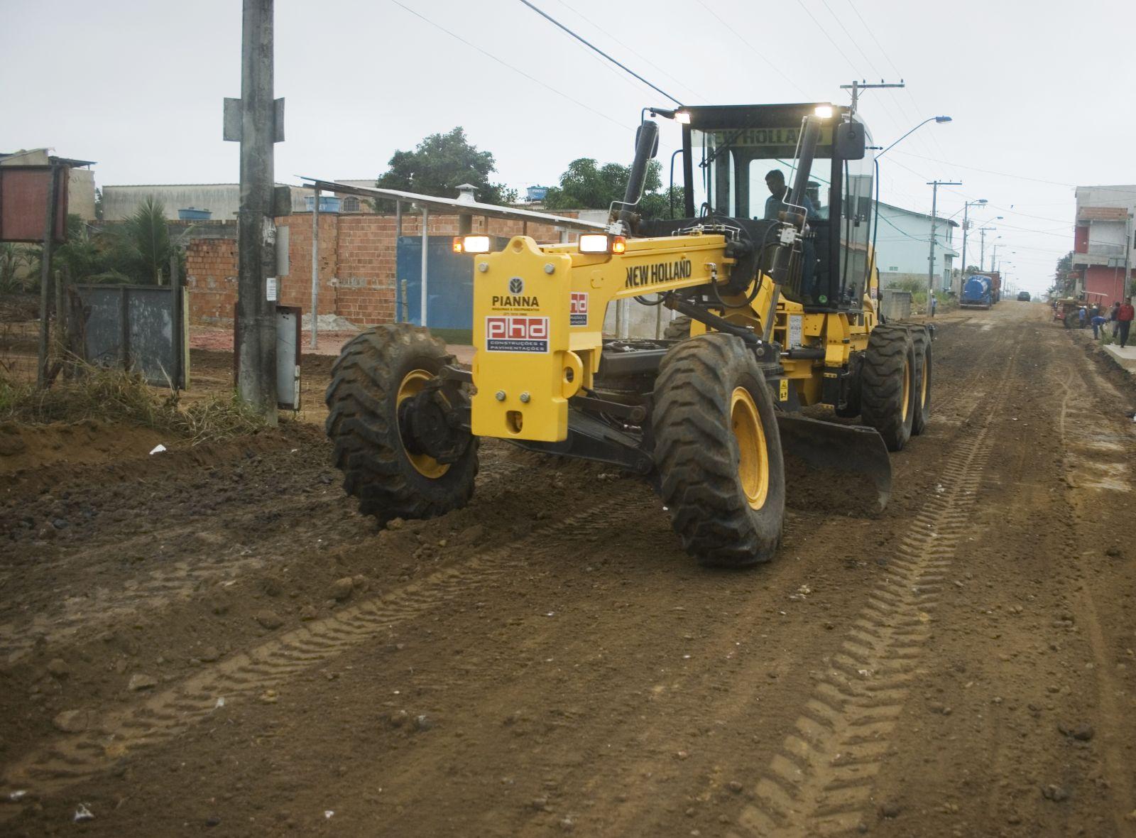 As Regionais de Obras realizam ações de terraplanagem